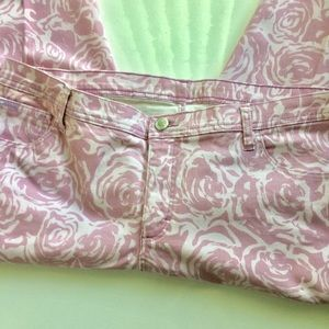 Lee Jeans - Lee Pink And White Floral Capri Jeans. Size 18